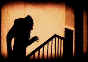 Snad nejtypičtější a nejznámější záběr tohoto filmu. Je úžasně děsivý i v dnešní době.