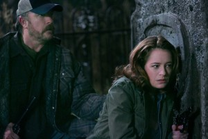 Finále ve velkém stylu na hřbitově, se všemi oblíbenými postavami. A možná se objeví i taťka Winchester.