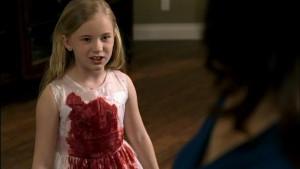 Ne, malá Lilith se opravdu nepolila jahodovým sirupem.