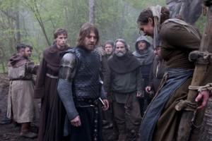 Ulric na první pohled nesouhlasí s činy vesničanů, ale sám ukáže chlad svého meče.