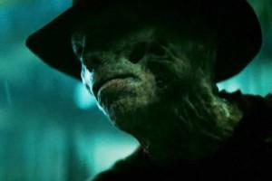 Freddy vypadá jako hovado!