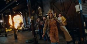 Na nádraží, zrovna při natáčení vyhrocené scény, dojde k havárii.