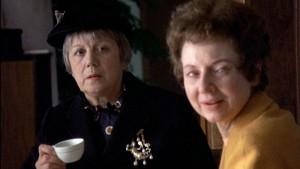 Dvě dámy, jejichž úloha je prazvláštní, ale nakonec zásadní.