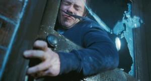 Guy Pearce v asi jediné akční scéně.