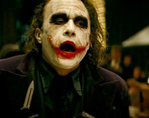 Jeden z nejgeniálněji zahraných záporáků - Heath Ledger a jeho Joker.