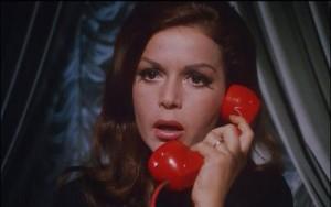 Další telefonát, který by člověk radši neměl zvedat.
