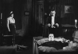 Dracula se snaží oživit monstrum.