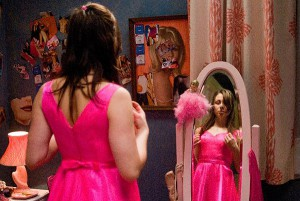 Princezna Lola, mimochodem vypadá jako růžová kynutá buchta. Tedy dokud nemá v ruce kudlu nebo vrtačku.