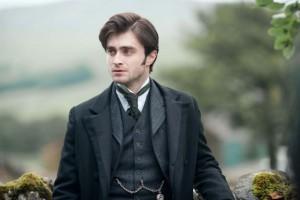 Daniel Radcliffe ukazuje, že má i na víc než jen na Pottera.