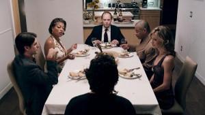 Scény z večeře jsou jedny z nejlepších.