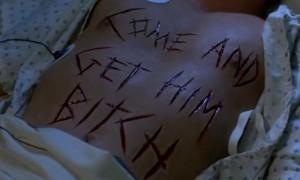 Doslova napsáno krví... v mase.