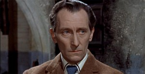 Peter Cushing nesmí chybět.