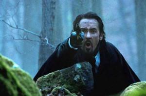 Poe se určitě nebál na protivníka vystřelit.