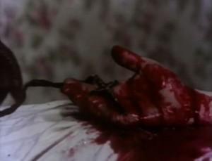 Krev v hororu podle všeho nesmí chybět.