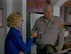 Šerif má snad jen špetku podezření.