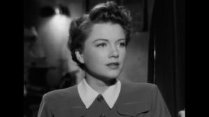 Krásná žena v Hitchcockově filmu. Nic nového.