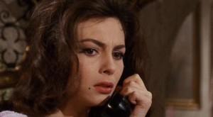Angelika s černými vlasy.