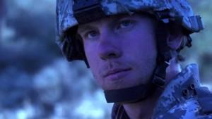 A třetí záběr na vojáka.