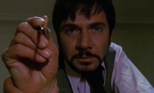 Když se herec rozhodne poškrábat kameru.