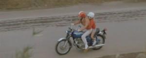 Zadržet diverzanta na motorce.