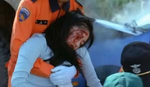 Vypadá zraněná.