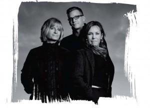 Trojice autorů.