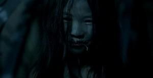 Trochu děsivá holčina.
