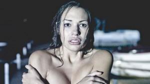 Člověk se nahý cítí bezbranný.