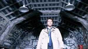 Misha Collins v roli Castiela andělského úředníčka.