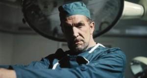 Vincenta Price byste jako chirurga nechtěli.