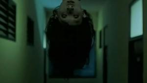 Co to visí ze stropu?