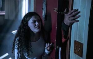 Jojo, ruka ve dveřích funguje vždy.