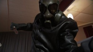 I přes masku divák vraha odhalí brzy.