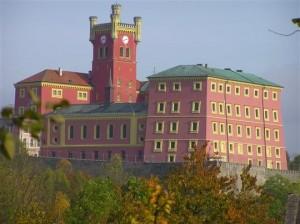 Bývalý biskupský hrad, dnes věznice Mírov.