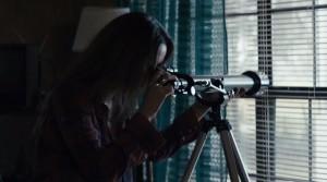 Dívat se do dalekohledu se nevyplácí.