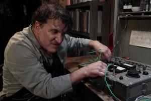 Svépomocný elektrikář.