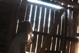 Děravá stodola je dobré místo na skrytí.