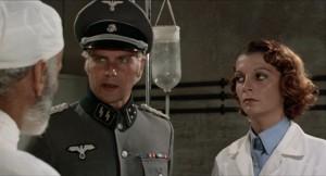 Ty pohledy patří nacistům na první... pohled.