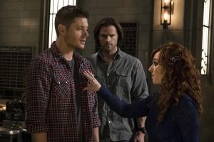 Crowleyho máma je zvláštní mrcha.