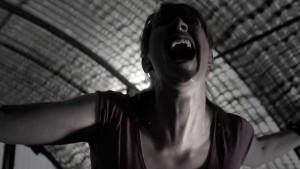 Kdo ji uslyší křičet?