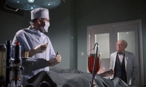 Doktore, operujete, nebo už pitváte?