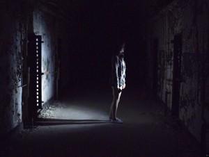 Tma je tam dost.