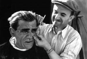 Boris Karloff při maskování.