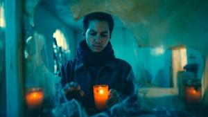 Zapálíme svíčku za zesnulé.