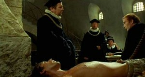 Pánové, mučit muže je nuda. Chtělo by to něco nového.